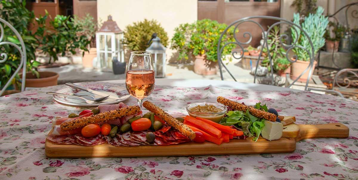 L'oréliane est le lieu idéal pour déguster des spécialités provençales